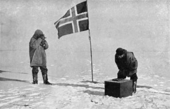 Raold Engelbrecht Gravning Amundsen at South Pole with others