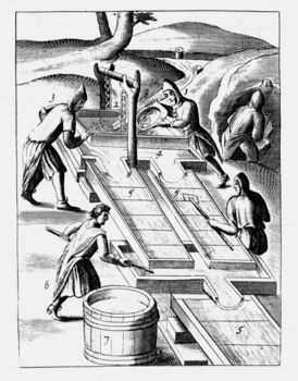 Workers washing ore to extract gold