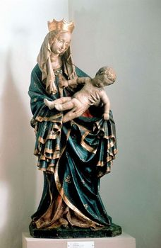 Statue of Virgin Mary with baby Jesus