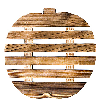 Wooden apple with horizontal lines