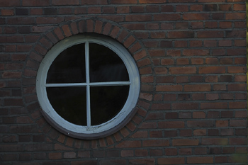 Round windowpanes
